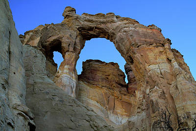 Photograph - Grosvenor Arch At Twilight by Ed  Riche