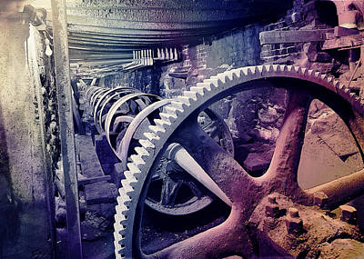 Grunge Large Gear Art Print by Robert G Kernodle