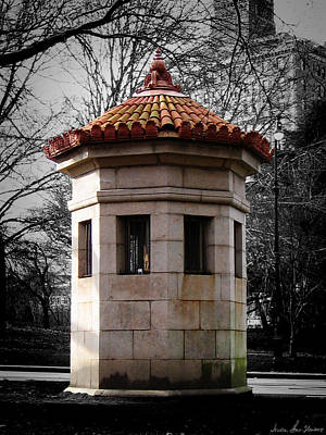 Photograph - Guardhouse In Prospect Park Brooklyn Ny by Iowan Stone-Flowers