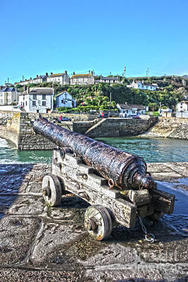 Photograph - Guarding The Ship Inn Porthleven Cornwall by Terri Waters