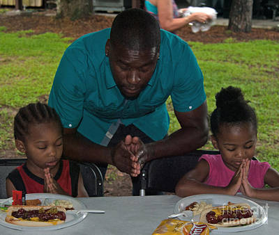 Photograph - Guest Family Praying by George D Gordon III