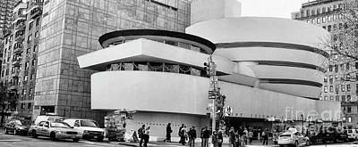 Guggenheim Museum Nyc Bw Art Print