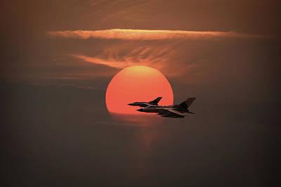 Photograph - Gulf War Sunset Departure by Gary Eason