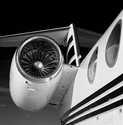 Gulfstream Right Side And Engine Art Print by Bob Neiman