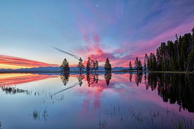 Photograph - Gull Point At Sunrise by Jon Glaser