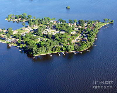 Photograph - H-004 Hickory Point Oshkosh Wisconsin by Bill Lang