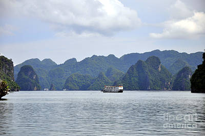 Photograph - Ha Long Bay 15 by Andrew Dinh