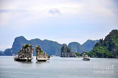 Photograph - Ha Long Bay 17 by Andrew Dinh