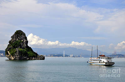 Photograph - Ha Long Bay 18 by Andrew Dinh