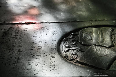 Photograph - Haarlem Tombstone by Mark Alesse