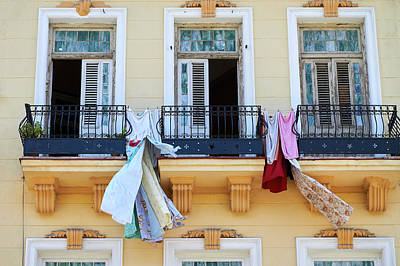 Photograph - Habana Laundry Day by David Beebe