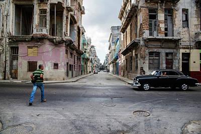 Photograph - Habana Vieja Horizon by Yuri Santin