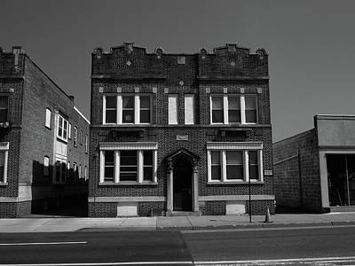 Photograph - Hackensack, Nj - Small Apartment House Bw 2018 by Frank Romeo