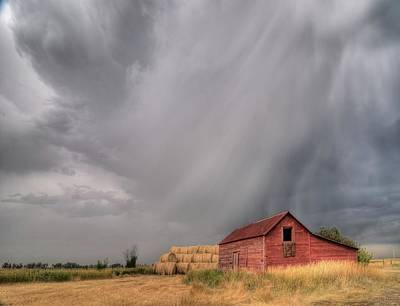 Photograph - Hail Shaft And Montana Barn by Dave Rennie
