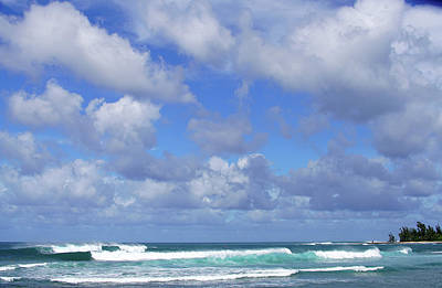 Haleiwa Photograph - Haleiwa Trade Wind Clouds by Kevin Smith