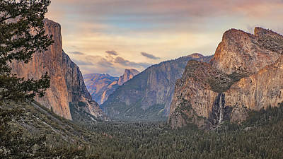 Yosemite Sunset Art Print by Harold Rau