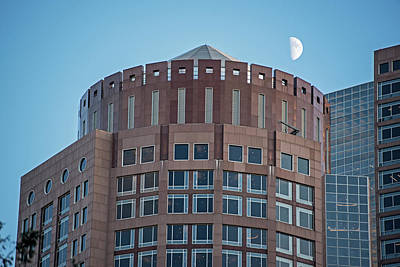 Photograph - Half Moon Over 2 International Place Boston Ma by Toby McGuire