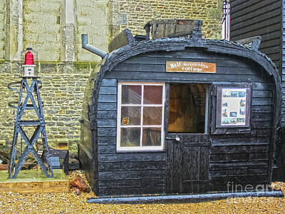 Photograph - Half Sovereign Cottage Rock A Nore Hastings by Terri Waters