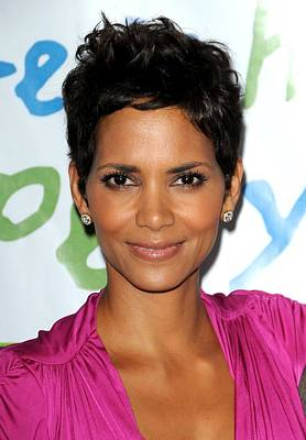 Beverly Hills Hotel And Bungalows Photograph - Halle Berry At Arrivals For Silver Rose by Everett