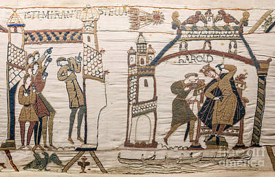 Tapestries - Textiles Photograph - Halleys Comet Of 1066, Bayeux Tapestry by Science Source