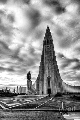 Photograph - Hallgrims Kirkja Iceland by Rick Bragan