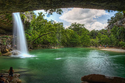 Hamilton Pool Photograph - Hamilton Pool Falls by Tom Weisbrook