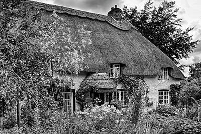 Photograph - Hampshire Thatched Cottages 10 by Shirley Mitchell