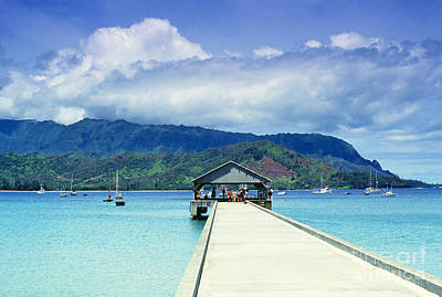 Hanalei Bay And Pier Art Print by Vince Cavataio - Printscapes