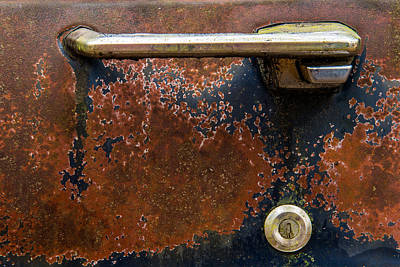 Photograph - Handle And Keyhole by Randy Walton