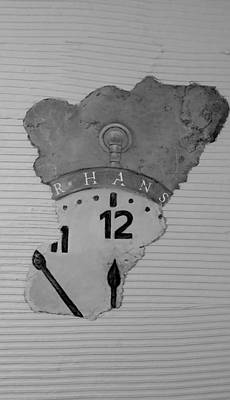 Time Peice Photograph - Hans Clock B W  by Rob Hans