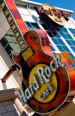 Photograph - Hard Rock Cafe Niagara by Bob Pardue