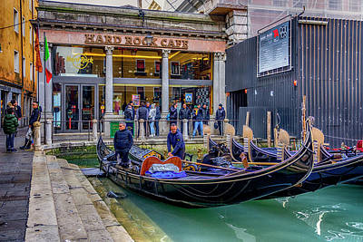 Photograph - Hard Rock Cafe Venice Gondolas_dsc1294_02282017 by Greg Kluempers