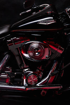 Harley-davidson Photograph - Harley-davidson Road King Classic Close Up With Red Light by Laszlo Toth