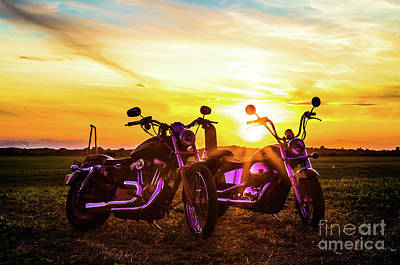 883 Photograph - Harley Sunset by Jesse McKay