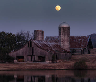 Harlinsdale Moon Print by Davin McLaird
