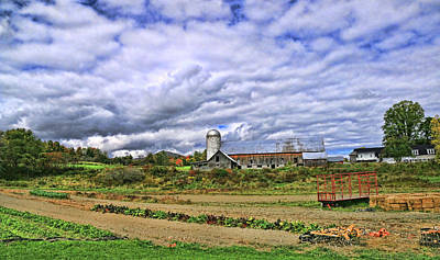 Photograph - Hartshorn Farms Abandoned Barn by Allen Beatty