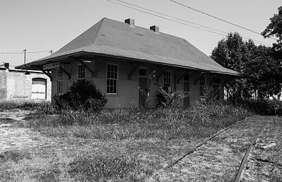 Photograph - Hartwell Depot 2009 B W 1 by Joseph C Hinson Photography