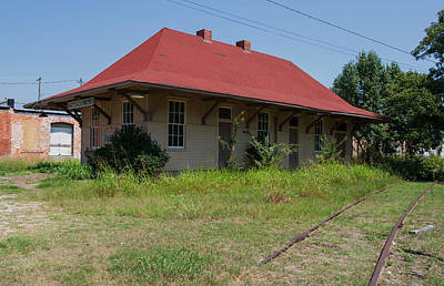 Photograph - Hartwell Depot 2009 Color by Joseph C Hinson Photography