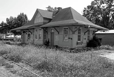 Photograph - Hartwell Georgia Depot 5 Bw by Joseph C Hinson Photography