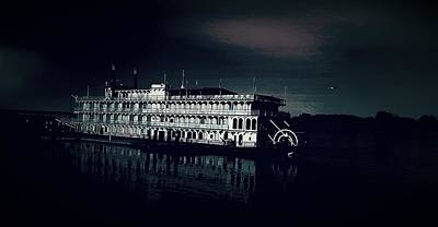 Haunted Dinner Cruise On The Columbia River  Art Print