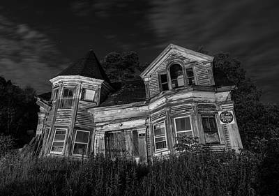 Photograph - Haunted House Under The Stars by Jesse MacDonald
