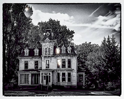 Photograph - Haunted Mansion by LeeAnn McLaneGoetz McLaneGoetzStudioLLCcom