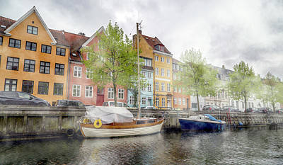 Quiet Time Corner Photograph - Haunting Freedom Nyhavn by Betsy Knapp