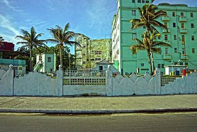 Photograph - Havana-48 by Rezzan Erguvan-Onal