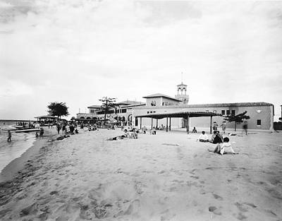 Bathing Photograph - Havana Bathing Beach by Underwood Archives
