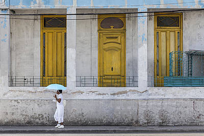Photograph - Havana Girl With Umbrella by Al Hurley