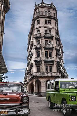Havana Old Cars Art Print