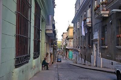 Photograph - Havana Street Scene 21 by Steven Richman