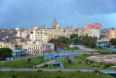 Photograph - Havana Vieja by Arthur Dodd