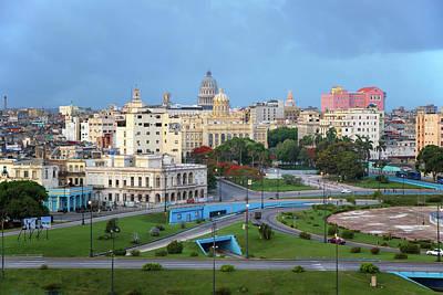 Photograph - Havana Vieja by Arthur Dodd